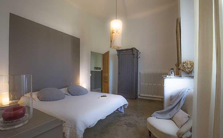 Les chambre d 39 h tes design de la maison felisa for Chambre qui donne sur le salon